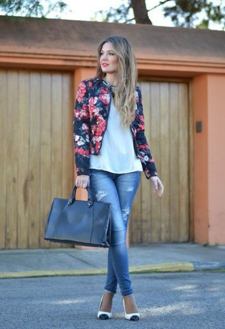 With white loose shirt, skinny jeans, tote bag and two colored pumps