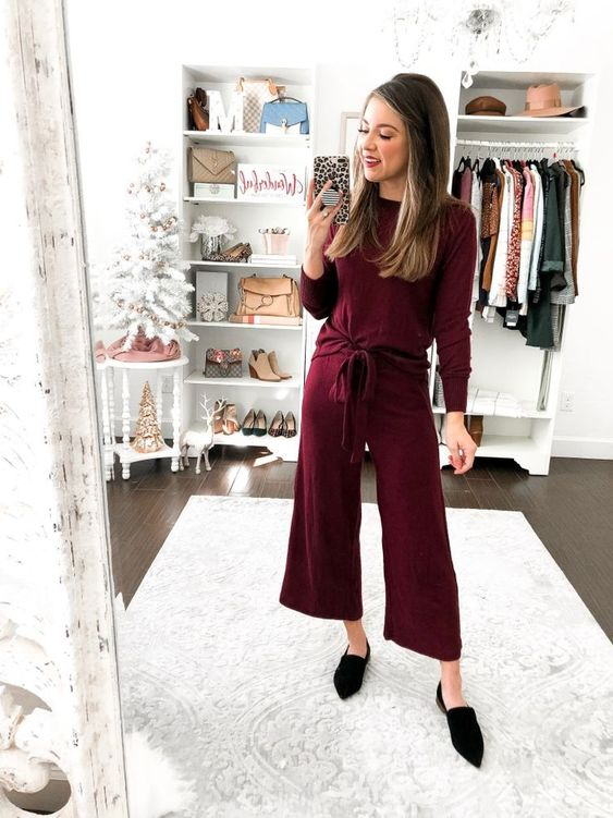a burdundy long sleeve top, cropped trousers, black mules for rocking them in the fall