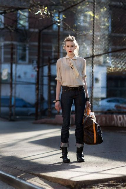 With beige blouse, printed tote bag and cuffed jeans