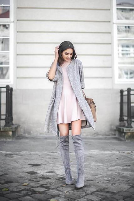 With pale pink mini dress, beige tote bag and gray short sleeved long cardigan