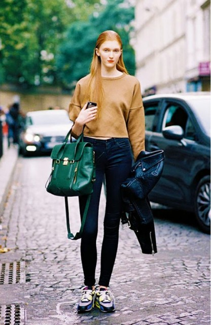 Picture Of Cropped Sweaters That You Can Wear Today 12