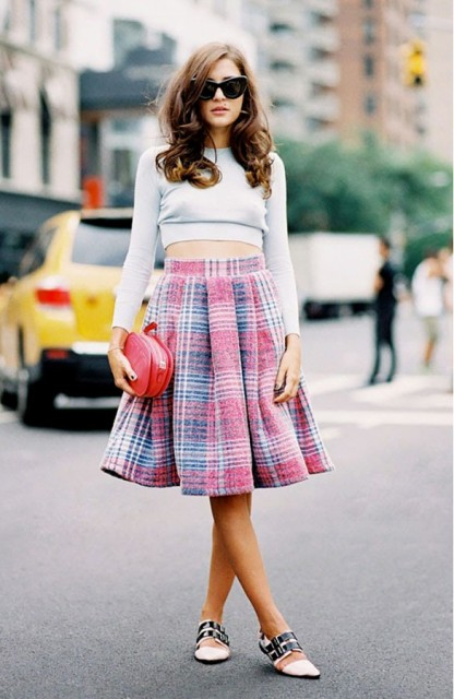 Picture Of Cropped Sweaters That You Can Wear Today 14