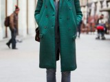 21-cool-ways-of-wearing-a-bright-coat-this-winter-1