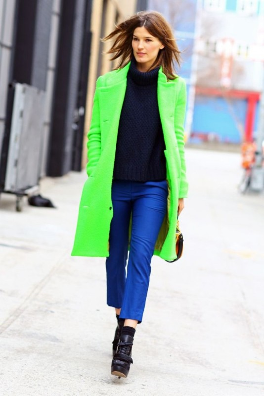 Picture Of cool ways of wearing a bright coat this winter  10