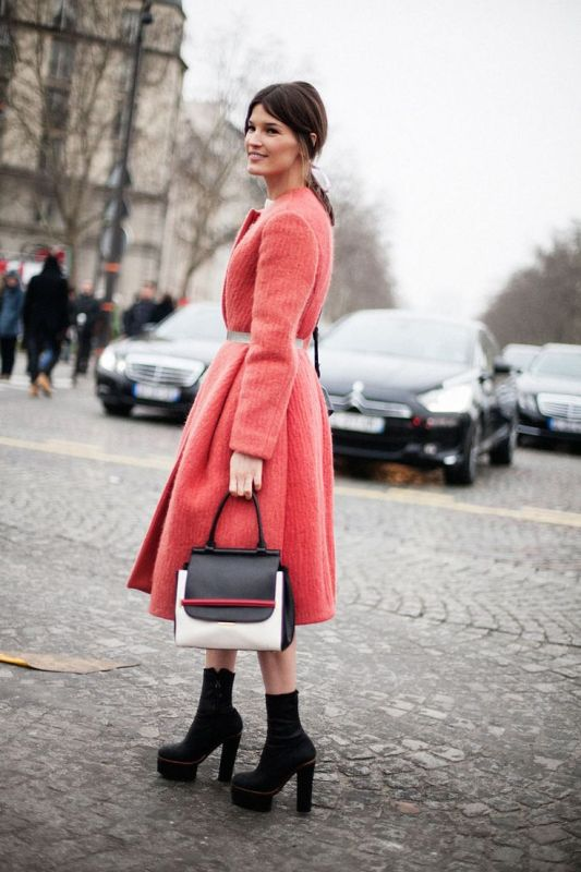 Picture Of cool ways of wearing a bright coat this winter  12