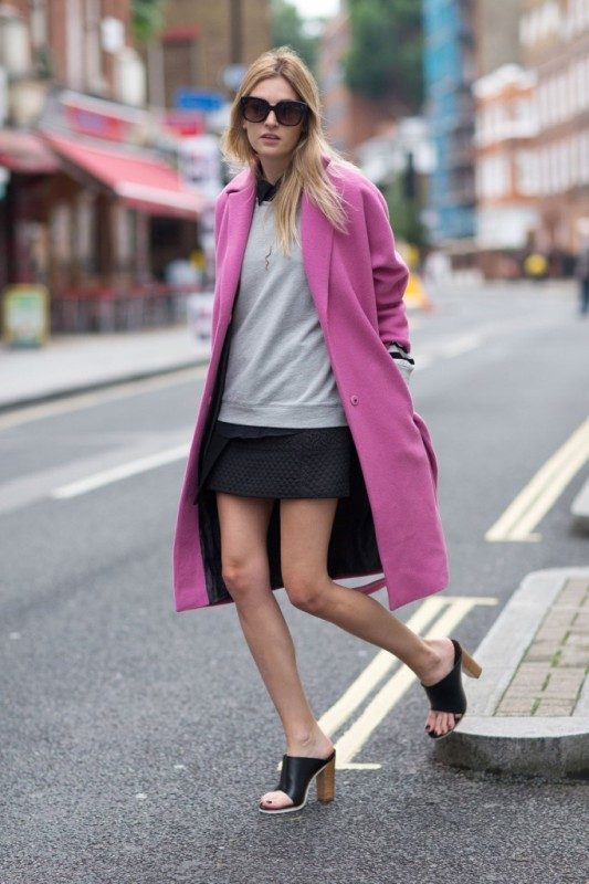 Picture Of cool ways of wearing a bright coat this winter  14