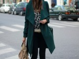 21-cool-ways-of-wearing-a-bright-coat-this-winter-20