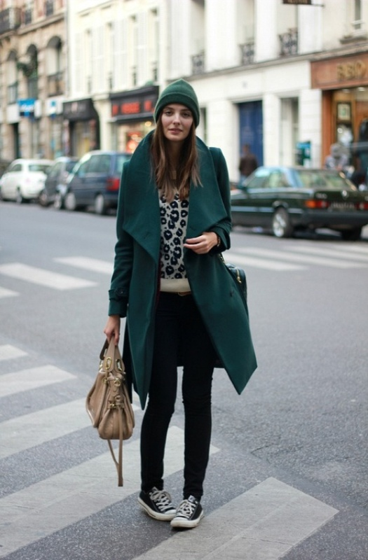 Picture Of cool ways of wearing a bright coat this winter  20