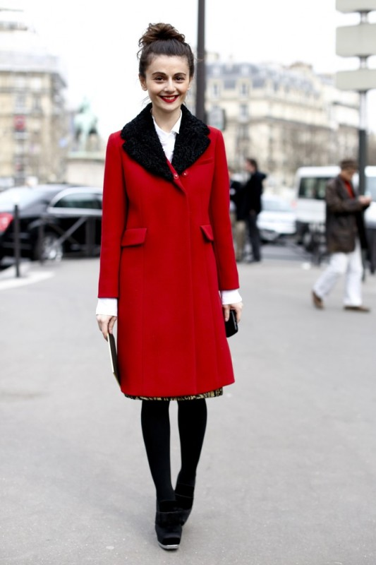 Picture Of cool ways of wearing a bright coat this winter  21