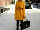 21-cool-ways-of-wearing-a-bright-coat-this-winter-3
