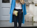 21-cool-ways-of-wearing-a-bright-coat-this-winter-5
