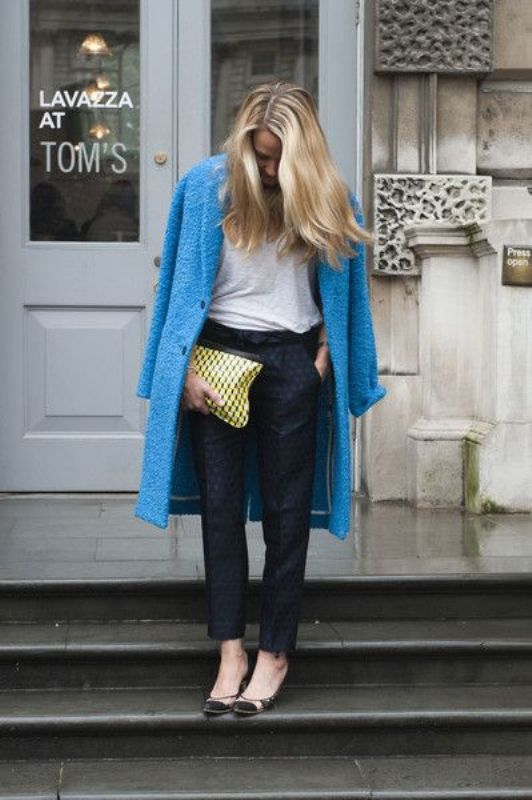 Picture Of cool ways of wearing a bright coat this winter  5