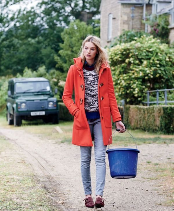 Picture Of cool ways of wearing a bright coat this winter  6