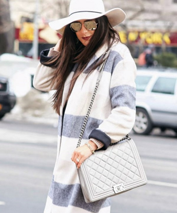 Picture Of refined and stylish structured handbags were dying over  10