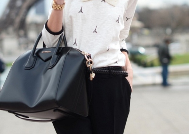 Picture Of refined and stylish structured handbags were dying over  12