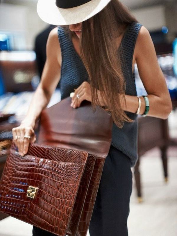 Picture Of refined and stylish structured handbags were dying over  17