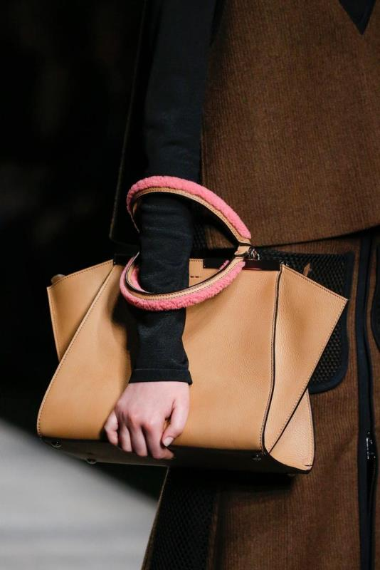 Picture Of refined and stylish structured handbags were dying over  18
