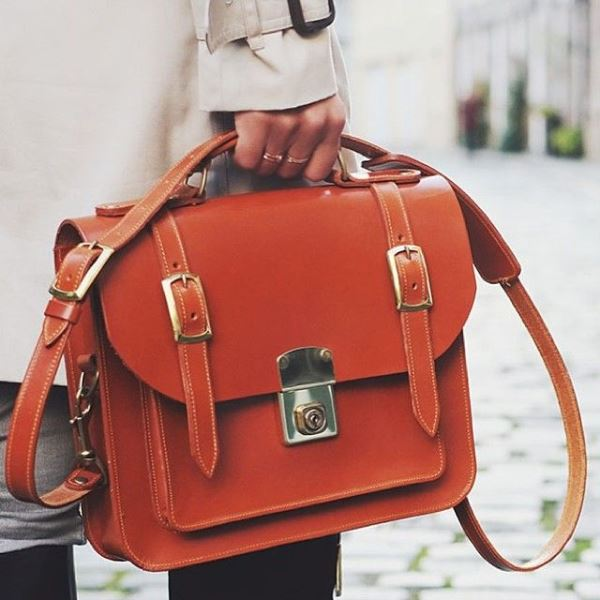 Picture Of refined and stylish structured handbags were dying over  2