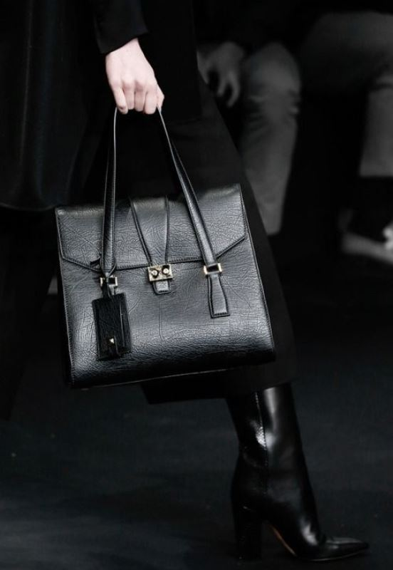 Picture Of refined and stylish structured handbags were dying over  5