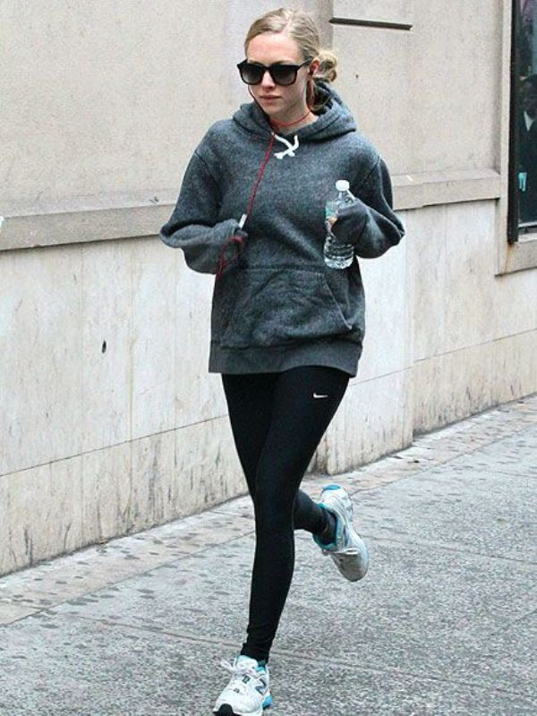 Picture Of stylish and comfy outfits ideas for running  8