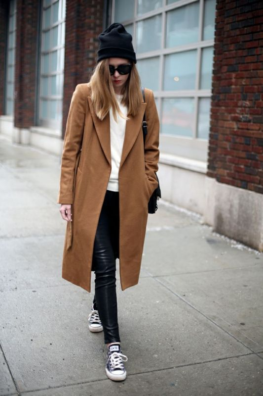 Picture Of stylish ways to wear leather pants right now  18