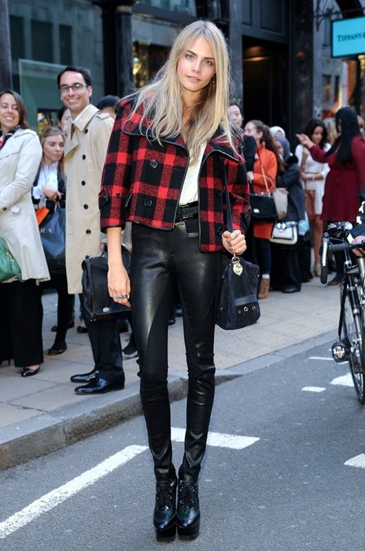 Picture Of stylish ways to wear leather pants right now  3