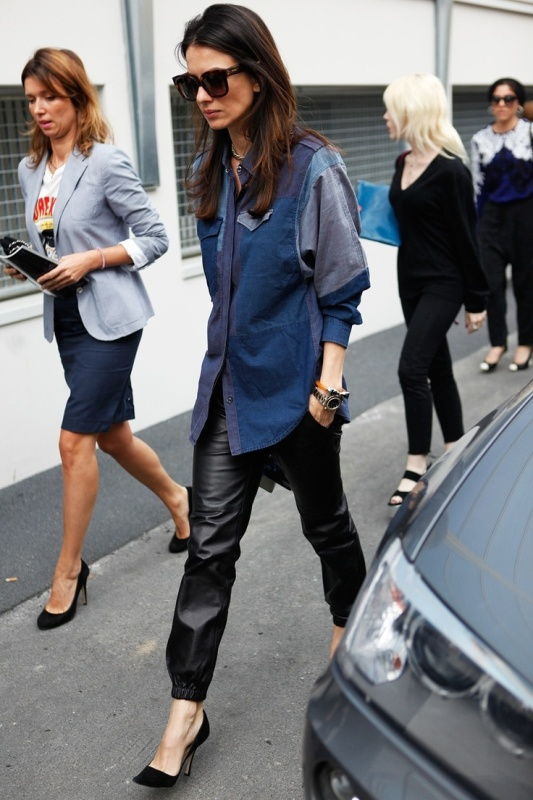 Picture Of stylish ways to wear leather pants right now  6