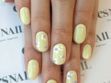 21-sweet-flower-nail-designs-to-try-this-summer-15