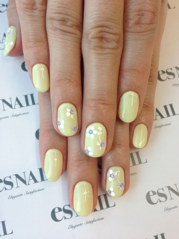 Picture Of sweet flower nail designs to try this summer  15