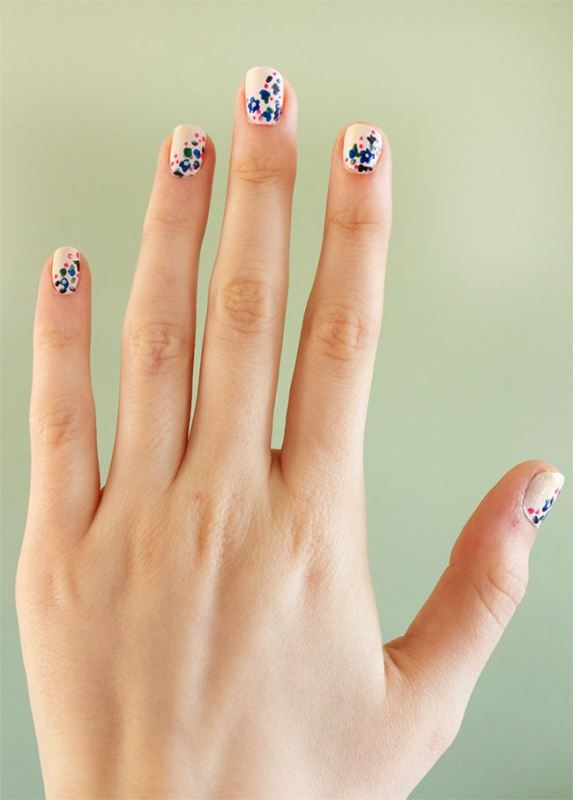 Picture Of sweet flower nail designs to try this summer  16