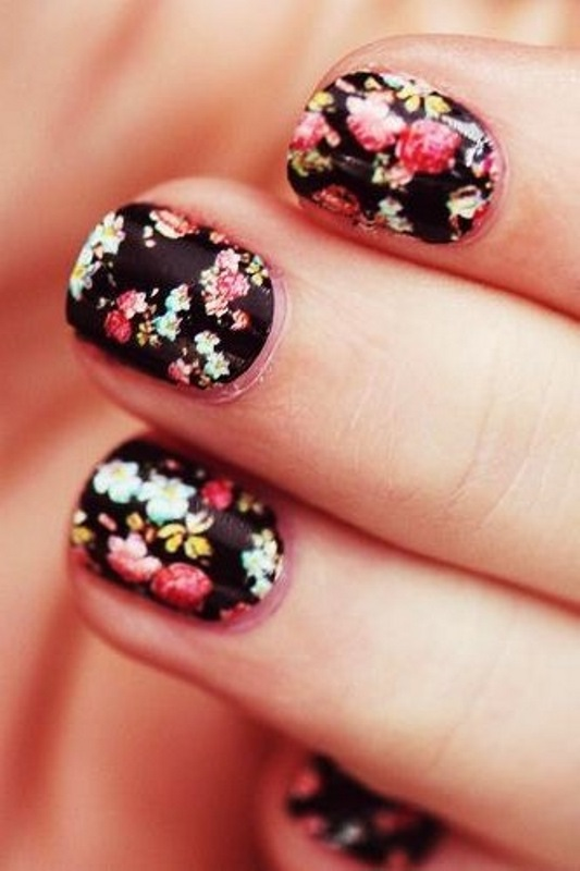 Picture Of sweet flower nail designs to try this summer  2
