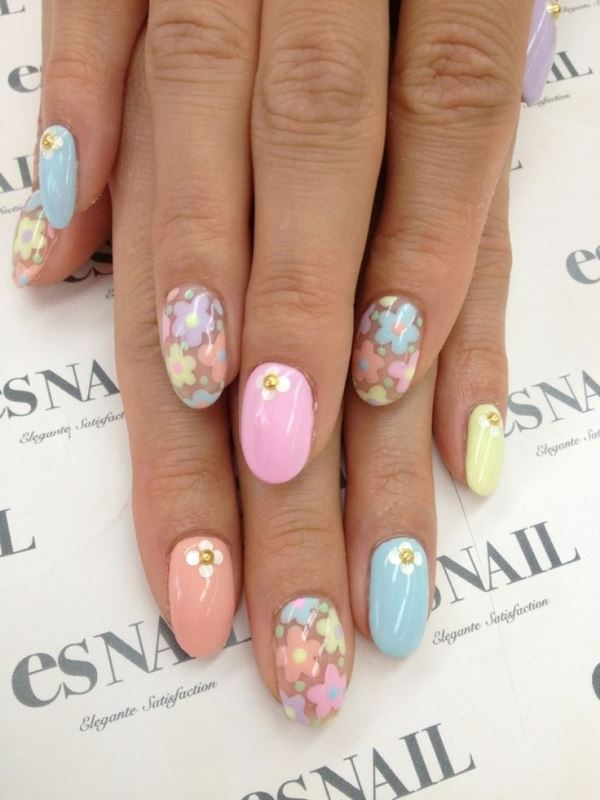 Picture Of sweet flower nail designs to try this summer  5
