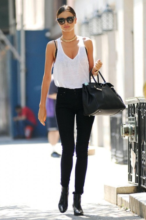 Trendy Black And White Outfits To Copy Now