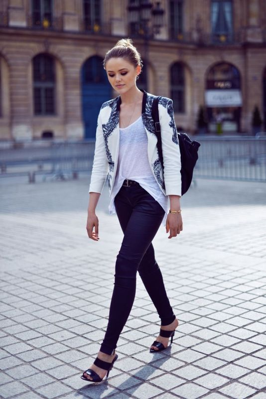 Picture Of trendy black and white outfits to copy now  16