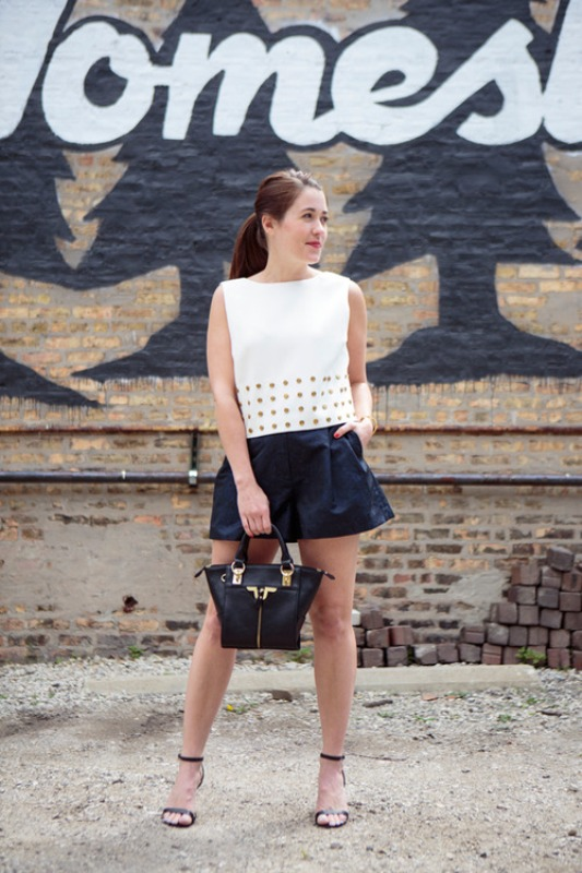 Picture Of trendy black and white outfits to copy now  20