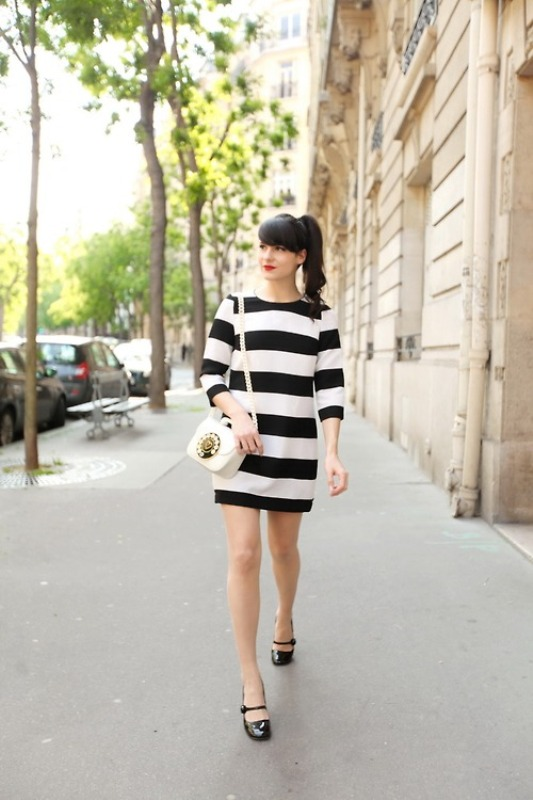 Picture Of trendy black and white outfits to copy now  5