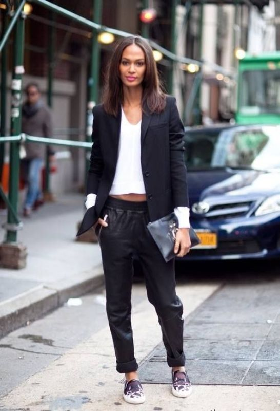 Picture Of trendy black and white outfits to copy now  8