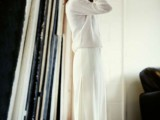 22-elegant-all-white-office-appropriate-outfits-to-copy-12