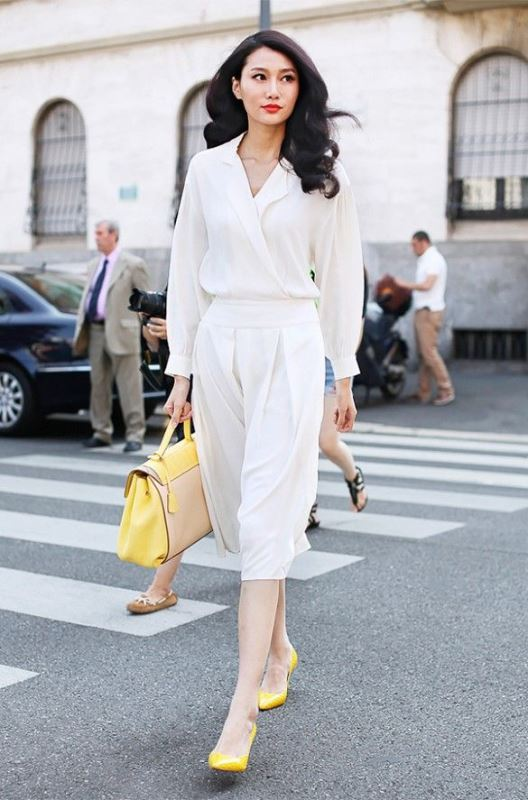Picture Of elegant all white office appropriate outfits to copy  16