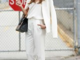 22-elegant-all-white-office-appropriate-outfits-to-copy-17