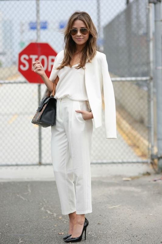 Picture Of elegant all white office appropriate outfits to copy  17