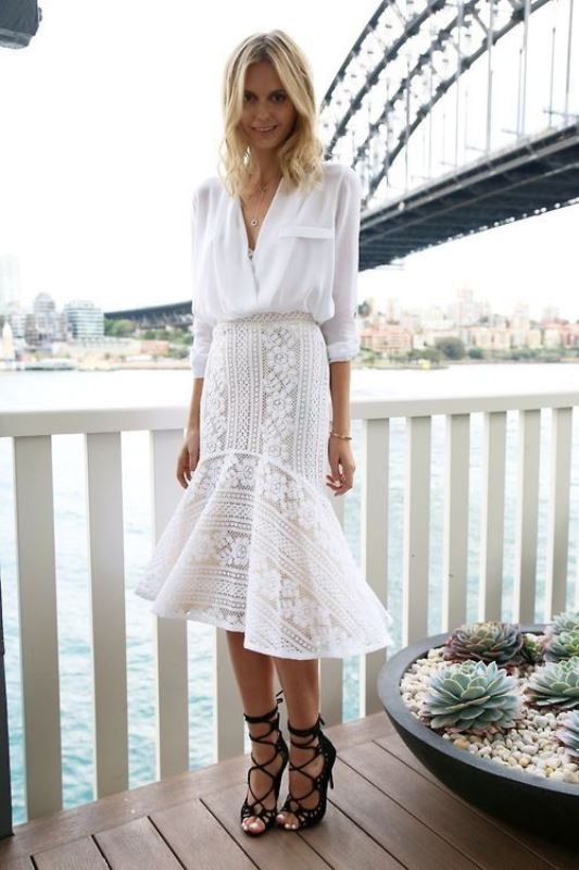 Picture Of elegant all white office appropriate outfits to copy  6