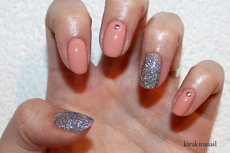 Picture Of pretty party nails ideas for this holiday season  16