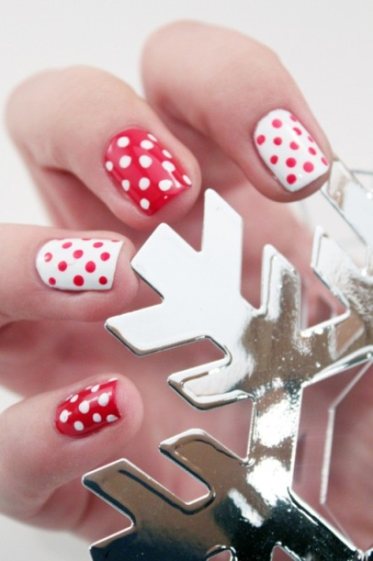 Picture Of pretty party nails ideas for this holiday season  2