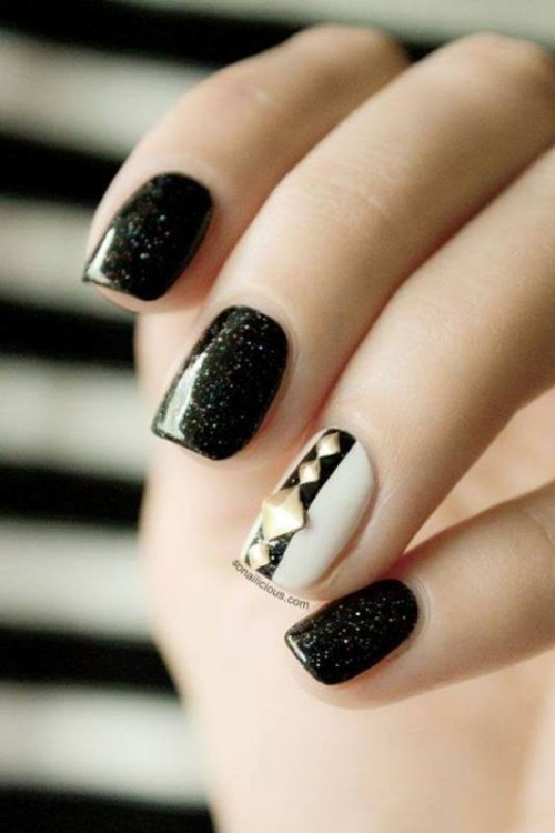 Pretty Party Nails Ideas For Christmas And New Year