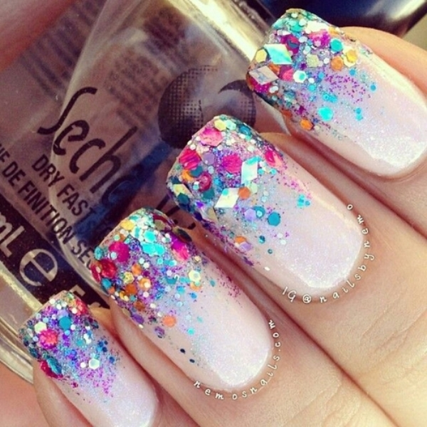 Picture Of pretty party nails ideas for this holiday season 22