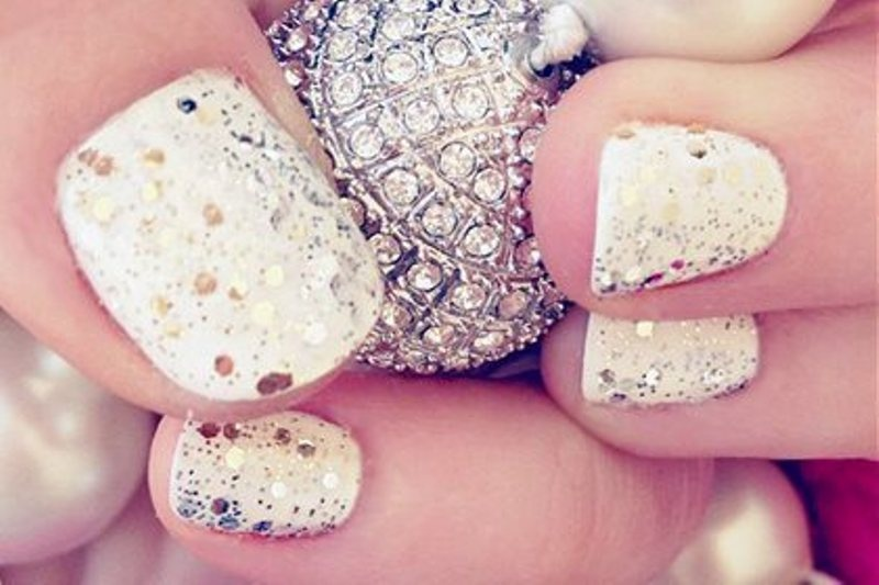 Picture Of pretty party nails ideas for this holiday season  3