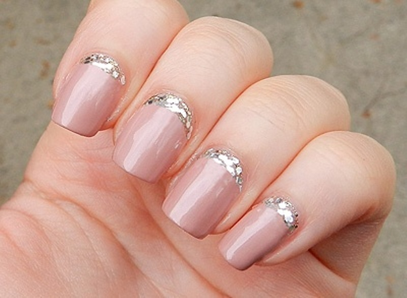 Picture Of pretty party nails ideas for this holiday season 5