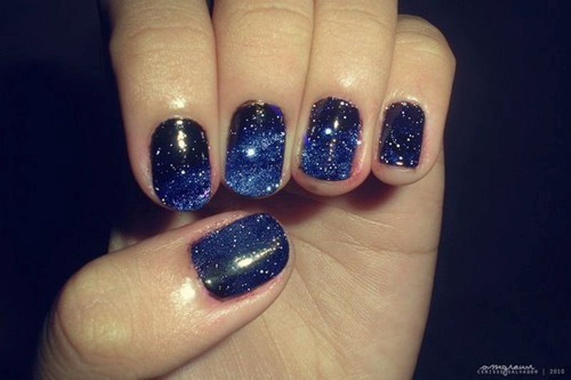 Picture Of pretty party nails ideas for this holiday season  6