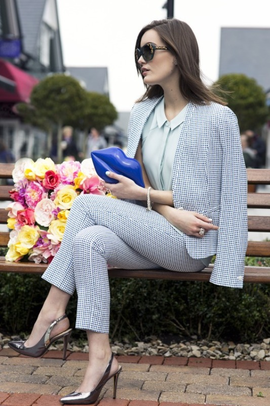 Picture Of stylish outfit ideas for a professional lunch  17